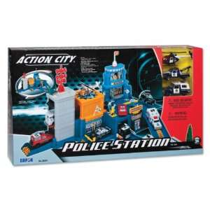Daron Action City Police Station: Toys & Games