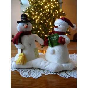 Animated Musical Jingle Pals Mr and Mrs Snowman Couple: Home & Kitchen