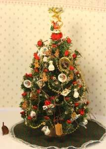 Dollhouse Miniature Artisan Decorated Christmas Tree 1