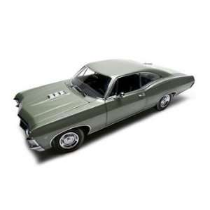 1967 Chevrolet Impala Ss 427 Green Authentics 1:18: Toys