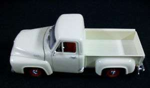 1953 Ford F 100 Pick Up Truck DIE CAST 118thSCALE