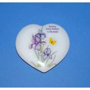 Heart Shape Trinket Box Papel Inc