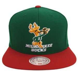 Milwaukee Bucks Retro Mitchell & Ness Logo Cap Hat Snapback Green Red
