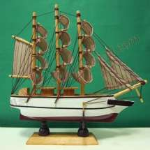 VINTAGE Nautical Wooden Wood Ship Sailboat Boat Home decor Model ACW8J