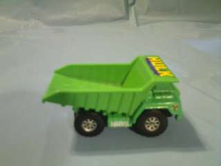 MAISTO 2003 MARVEL THE INCREDIBLE HULK DUMP TRUCK TOY |