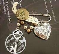 Fashion Jewelry Womens Antique Heart Key Pearl like Pin Brooch