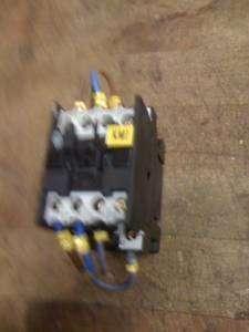 MOELLER DIL00M 01 CONTACTOR STARTER 24V COIL 20A 3HP