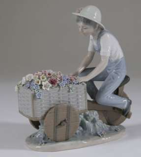 LLADRO Boy Flower Peddler seller bike Tricycle 5029 FIGURE RETIRED