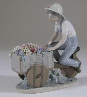 LLADRO Boy Flower Peddler seller bike Tricycle 5029 FIGURE RETIRED