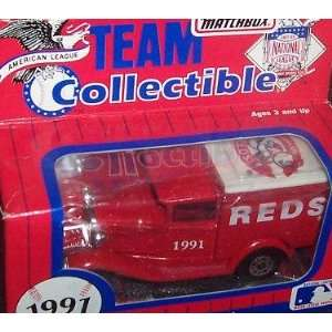 Reds 1991 Matchbox MLB Diecast 164 Scale Ford Model A Delivery Truck