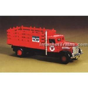 IMEX HO Scale Peterbilt Stakebed Truck   Texaco: Toys & Games
