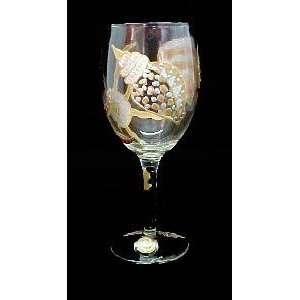 Sea Shell Shimmer Design   Wine Glass   8 oz
