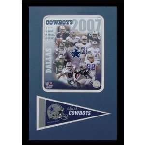 2007 Dallas Cowboys Photograph with Team Pennant in a 12