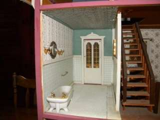 Large 8 Room Wooden Cambridge Doll House With Large Accessory