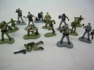 Machines Galoob Military Army Men Toy Soldiers Grenade M16 Lot |